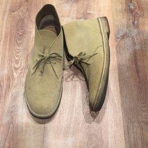 Clarks Desert Boot. Men's size 11 light tan